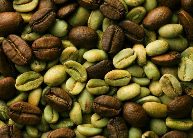 Черный и зеленый кофе