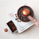 Винтажная кофемолка из картона