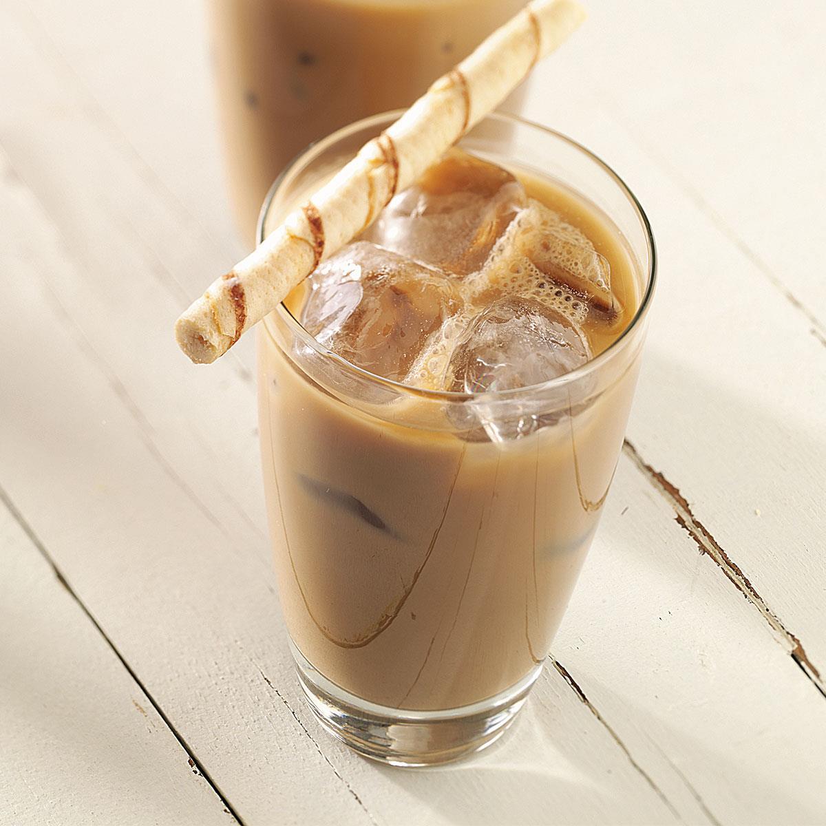 холодный кофе с молоком