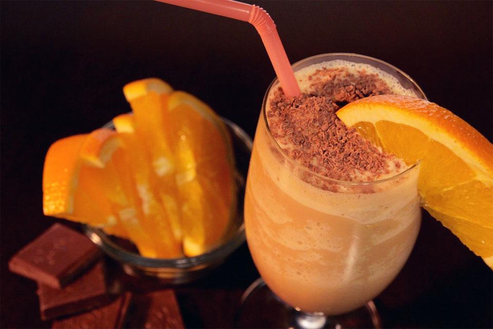 апельсиновый холодный кофе