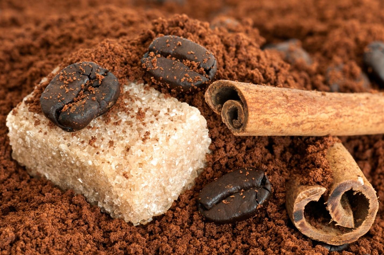 Кофе, сахар и корица